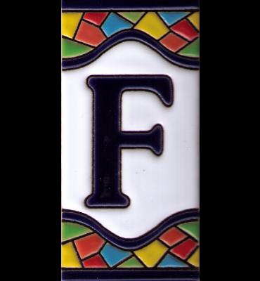 Buchstabe F Gaudi Dekor