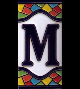 Buchstabe M Gaudi Dekor
